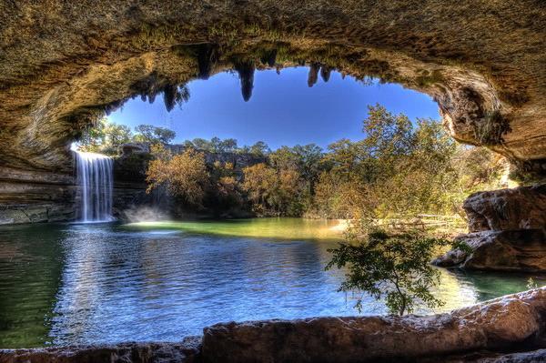 Озеро в Техасе (необычное тем, что оно и подземное и наземное одновременно)